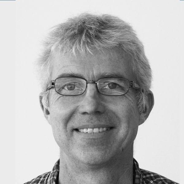 Bildet viser Chris Jensen, forsker og leder ved Nasjonal kompetansetjeneste for arbeidsrettet rehabilitering